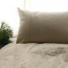 Chambre Amusant et Original vêtements lit inspiré par les feuilles de papier pour ordinateur portable