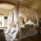 Chambre 40 chambres superbes étalage des lits à baldaquin décoratif