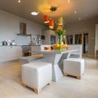 Cuisine Outlook élégant courbé cuisine sur mesure de meubles David Glover
