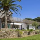 Maison Maison mis à niveau à Saint-Tropez, embrassant un paysage naturel riche
