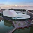 Maison Nouvel espace Performance à usage mixte colossale aux Pays-Bas : théâtre Spijkenisse [vidéo]
