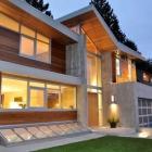 Maison Maison de la forêt de moderne affichant la Signature Upper Floor Sky Garden