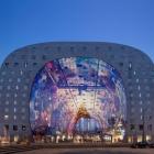 Maison Vaste halle Rotterdam en forme comme une chaussure de cheval géante par MVRDV