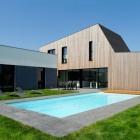 Maison Nouvelle maison en bois s'étendant vivant à l'extérieur salue la vie familiale moderne
