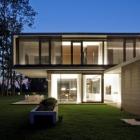 Maison Deux empilés Volumes perpendiculaires définition moderne maison de LK en Autriche