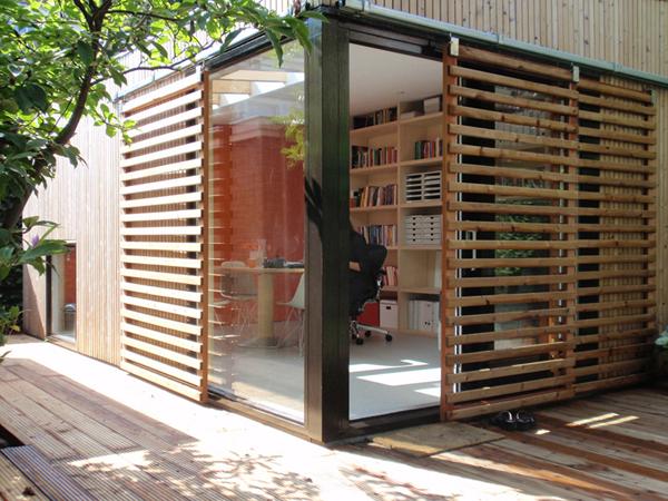 Bureau et maison d\'hôtes dans un pavillon de jardin moderne ...
