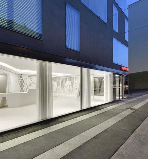 Un design original banque raiffeisen bureau zurich par for Agence immobiliere zurich