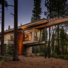 Maison Maison de montagne de luxe clignotant appel moderne du milieu du siècle