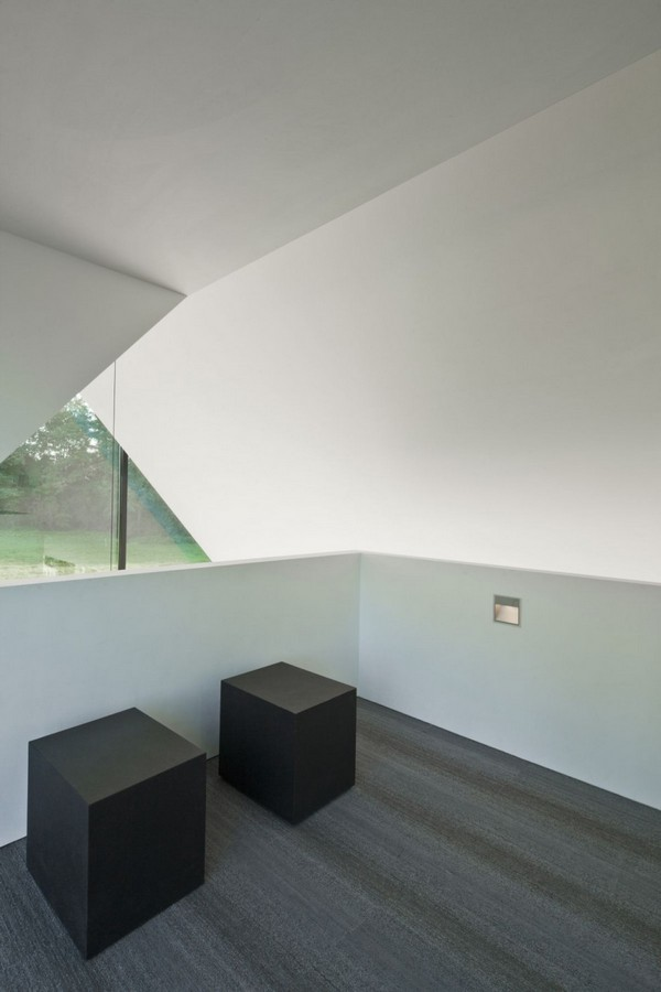 Belle maison minimaliste avec des d tails d 39 architecture for Dujardin grange