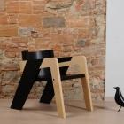 Meuble Élégant auto-assemblage IO chaise conçue pour l'Introspection et la rêverie