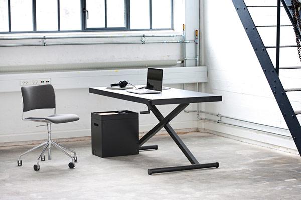 Réglable en hauteur bureau minimaliste favorisant le travail en