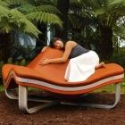 Meuble Audacieusement confortable : Flying Wave fauteuil par å Studio