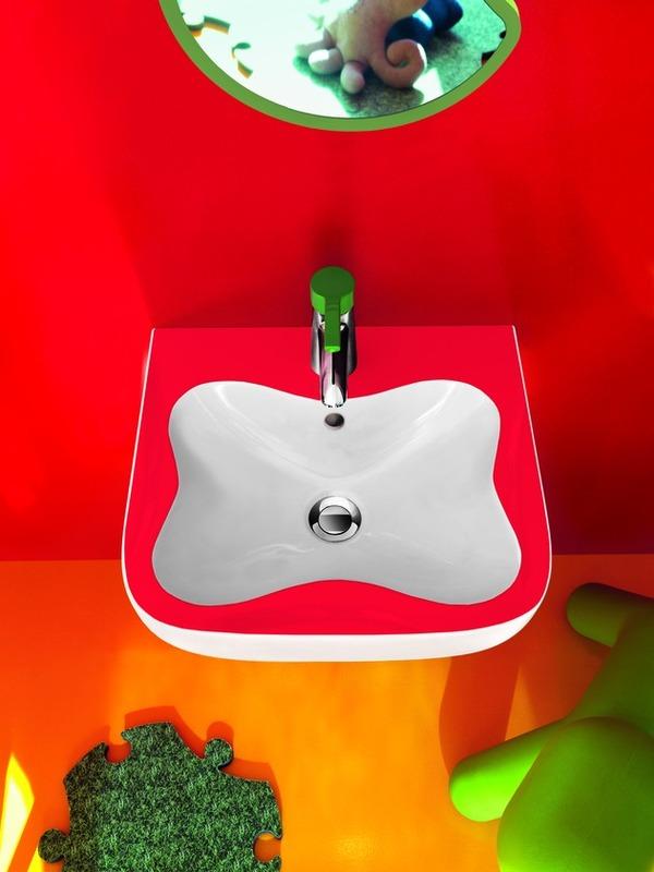 Salle de bain pour enfants colorée de Laufen - Immobilier ...
