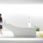 Salle de bain Remarquable baignoire et lavabo Fusion : symbiose par Desnahemisfera