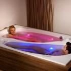 Salle de bain Comment partager votre baignoire sans le partager réellement : Couple bain Yin Yang